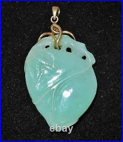 Vintage 2.3 Chinese 14K Gold & Carved Celadon Green JADEITE Jade Peach Pendant